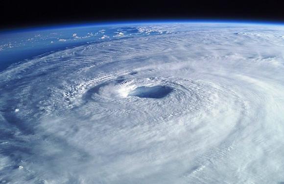 火災保険と台風の意外な関係